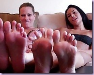 popping-our-pretty-feet-in-your-mouth-3